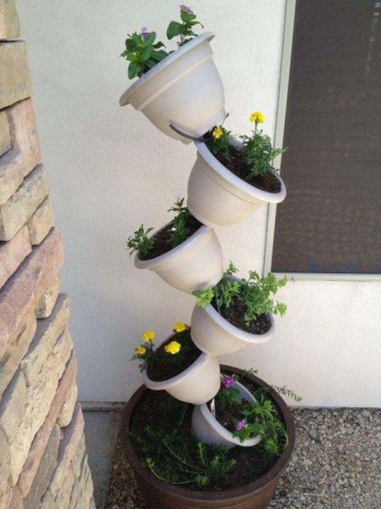 topsy turvy tomato planter instructions